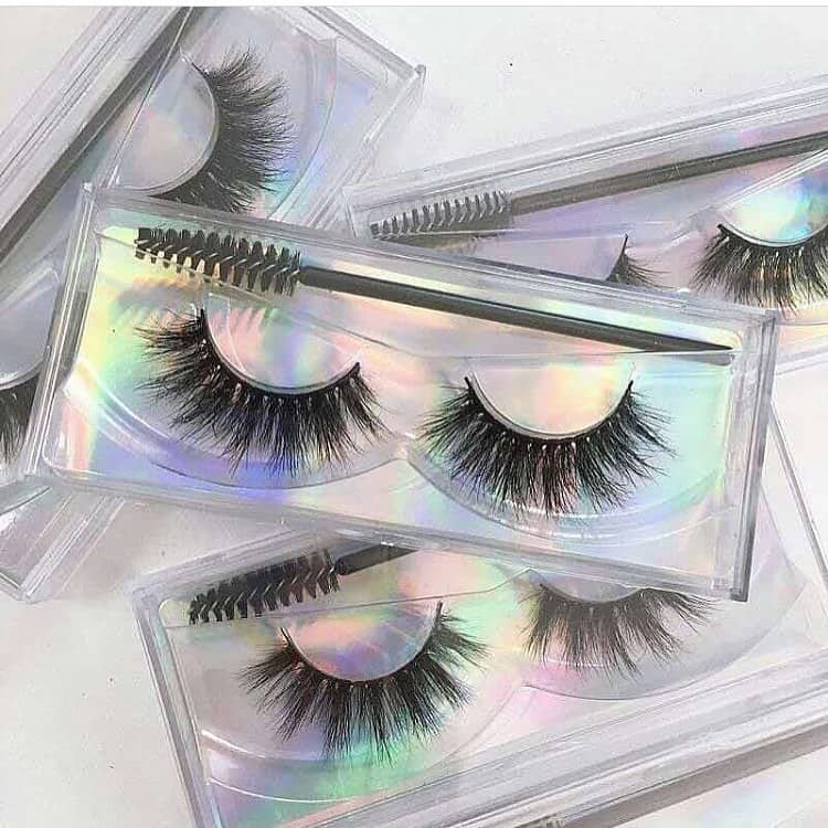 mink lashes VS synthetic lashes