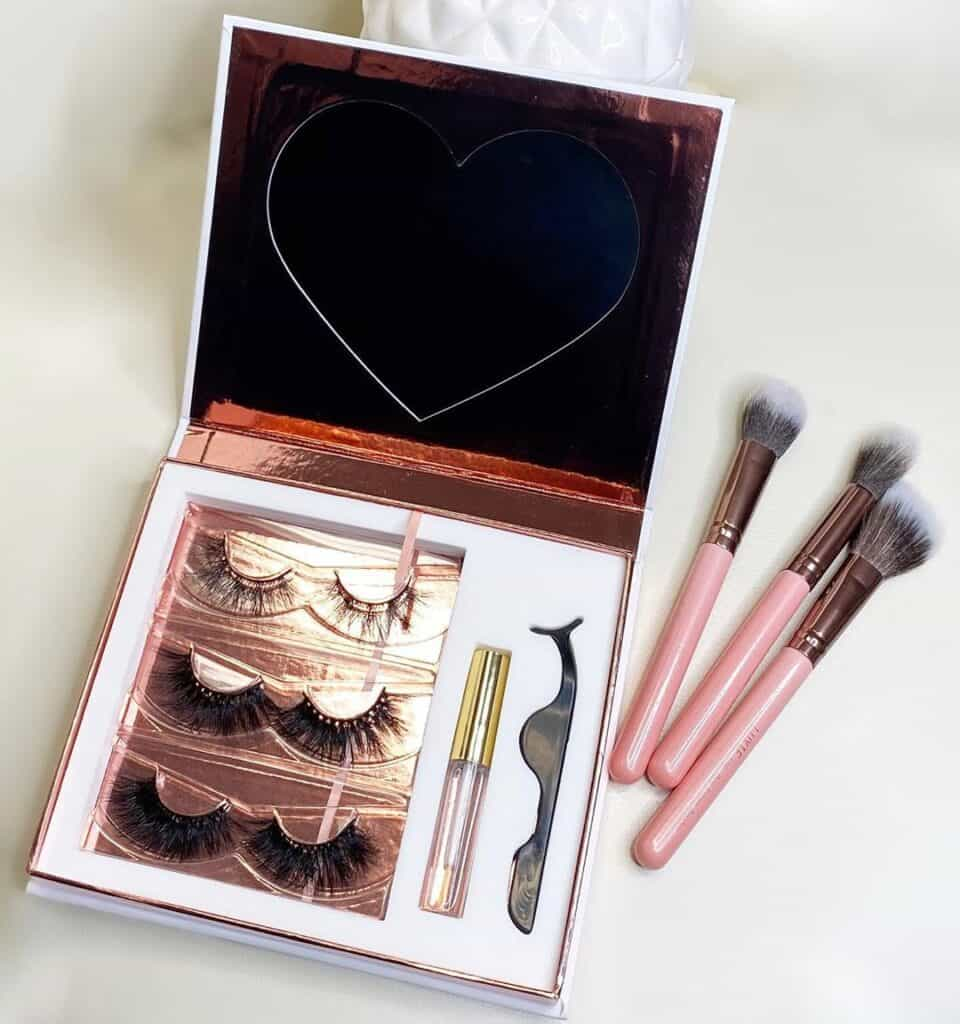 lashes kits for 3 pairs of lashes