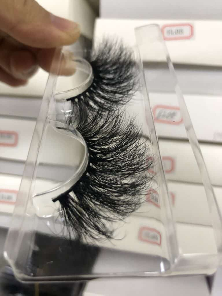 Mink Eyelash Boxes Packaging and 25mm Mink Eyelashes Vendors