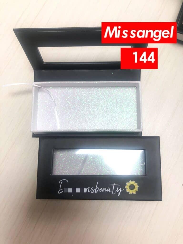 wholesale mink lashes and custom lash boxes