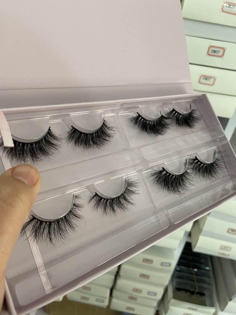 custom eyelash books and mink lash vendors