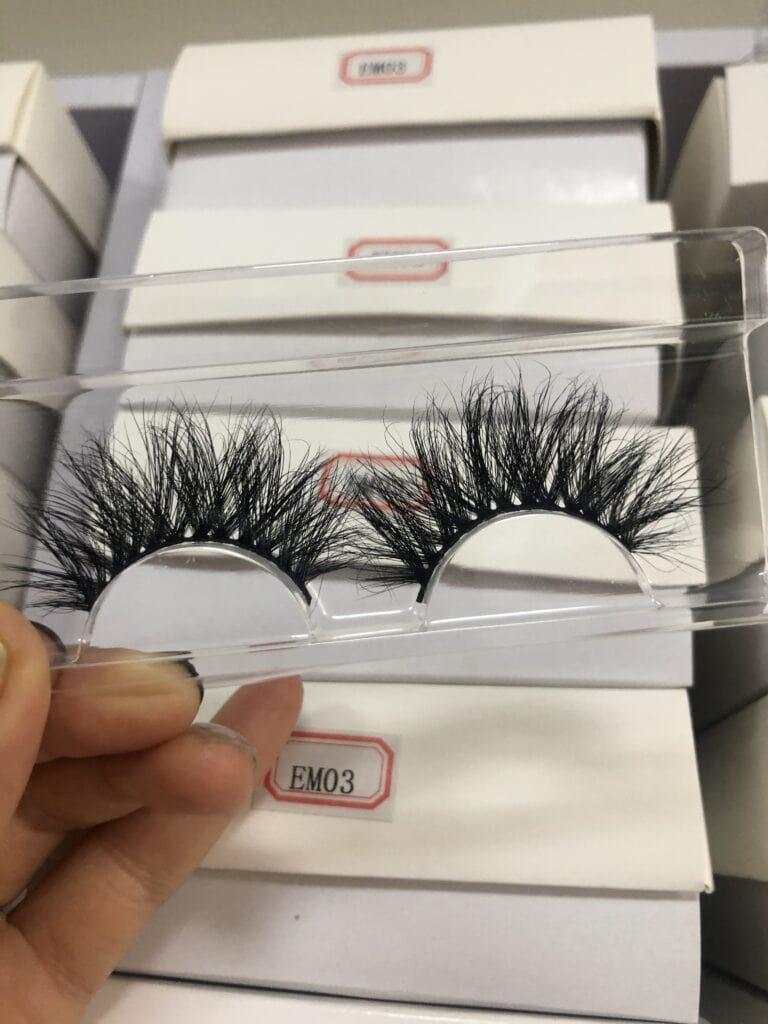 fluffy lashes and diy eyelash packaging