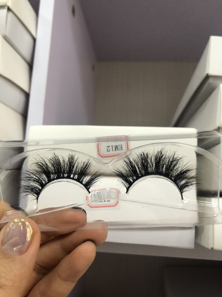 how to sale your own lashes
